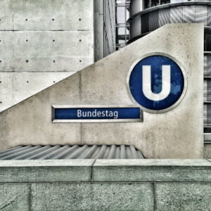 germany-ubahn-bundestag by powerlineky