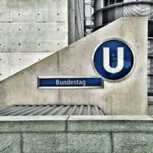 germany-ubahn-bundestag